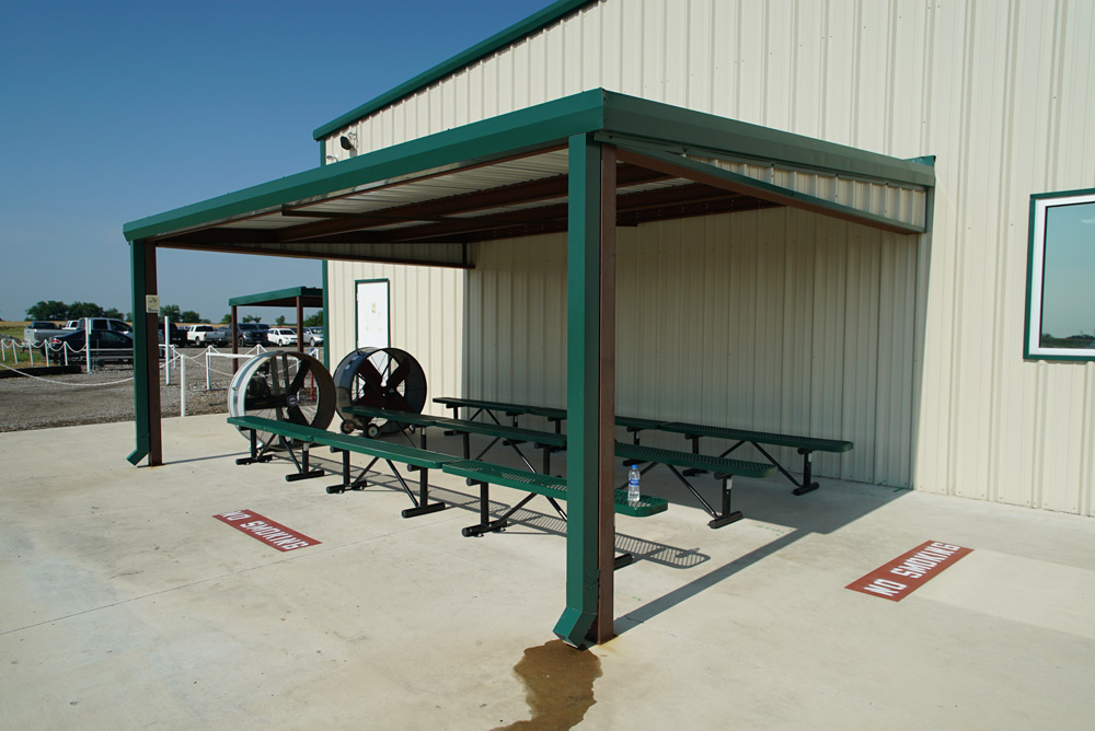Loading area 1 with shade and fans